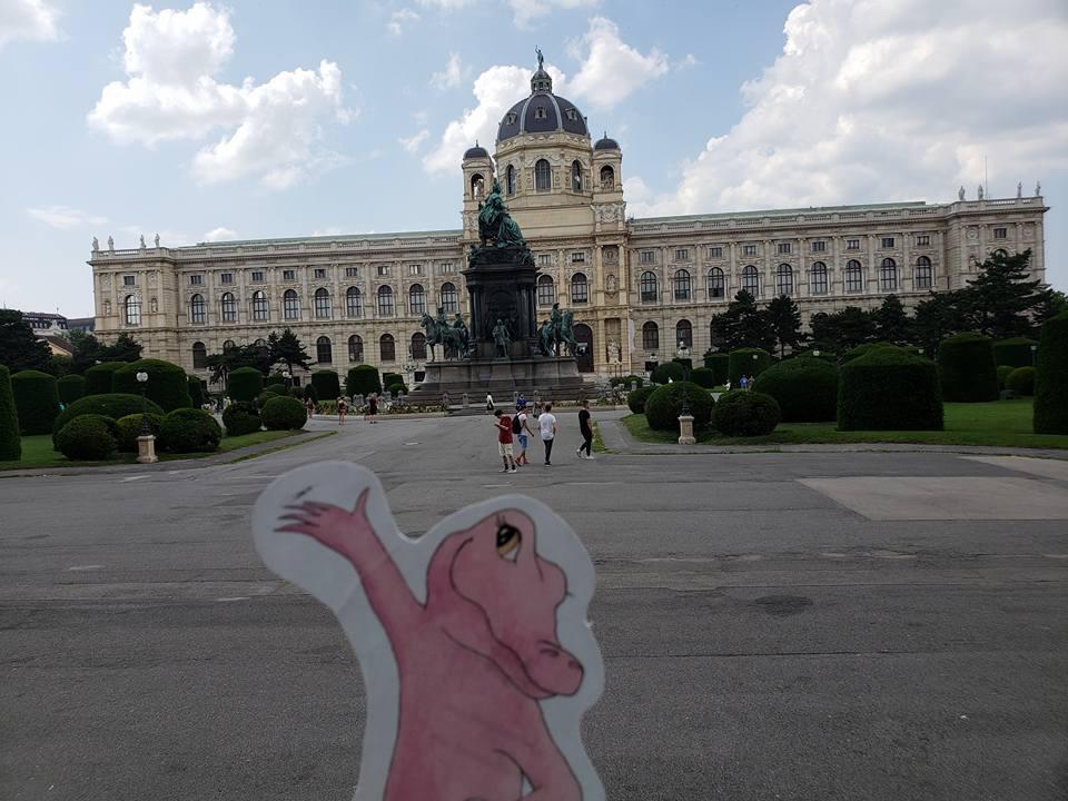 Flat Rose Travels Landy Vienna Museum of Natural History May 2018